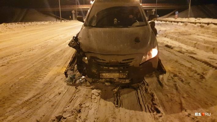 В ночь, когда произошла авария, на улице стоял тридцатиградусный мороз, а ждать эвакуатора и ГИБДД пришлось несколько часов