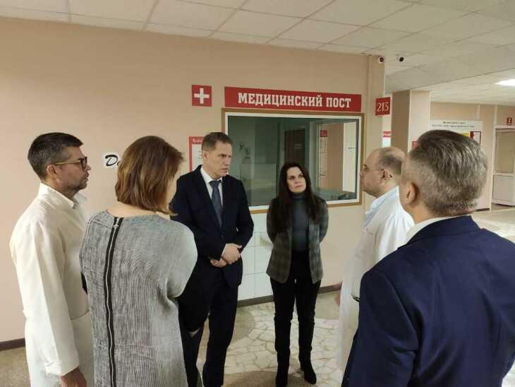 Министр осмотрел центр «Градостроитель»