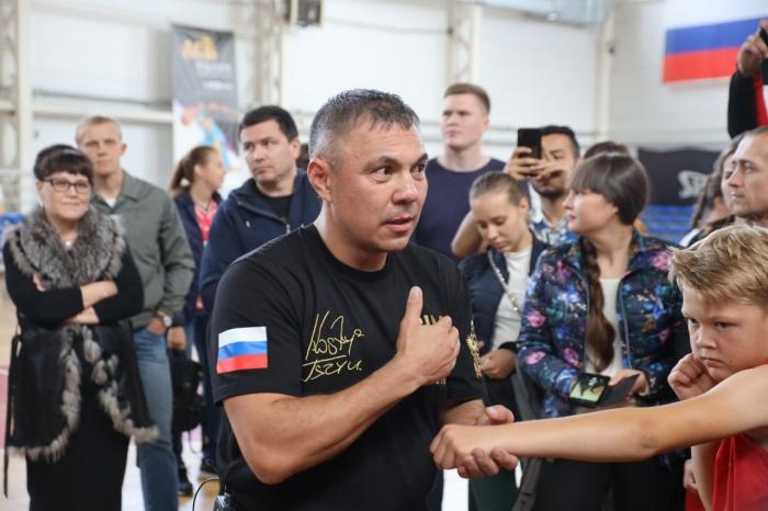 Костя Цзюрассказал об основных ударах в боксе
