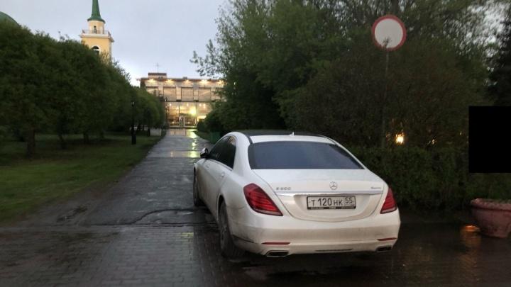 «Я паркуюсь как...»: хозяева жизни, ящик со сгущенкой и дворовая раскраска