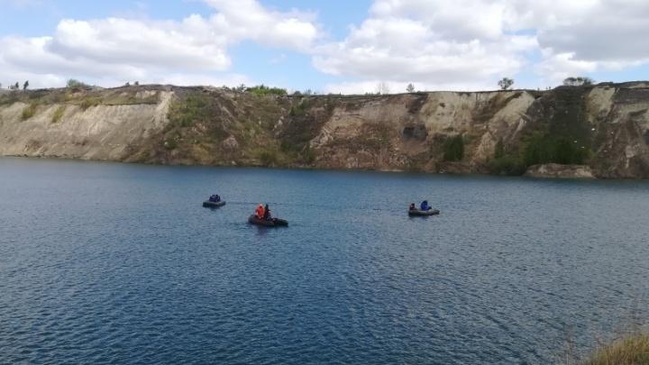 Помог друзьям, спастись не смог: со дна карьера под Челябинском подняли тело утонувшего подростка