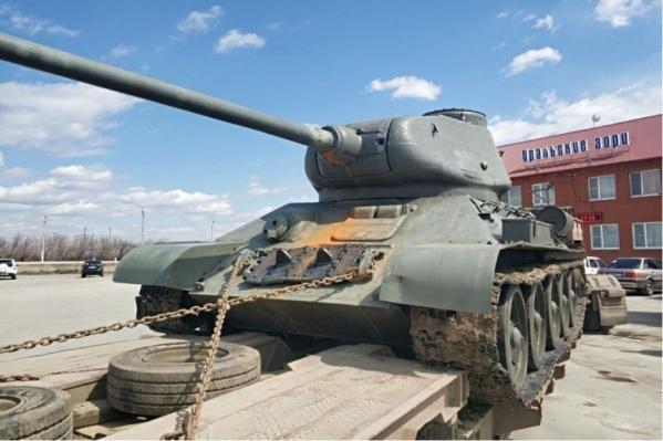 Этот 73-летний Т-34 «завернули» на границе в августе 2015 года