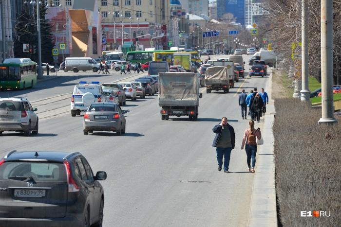 Проспект Ленина ремонтируют от 8 Марта до Карла Либкнехта