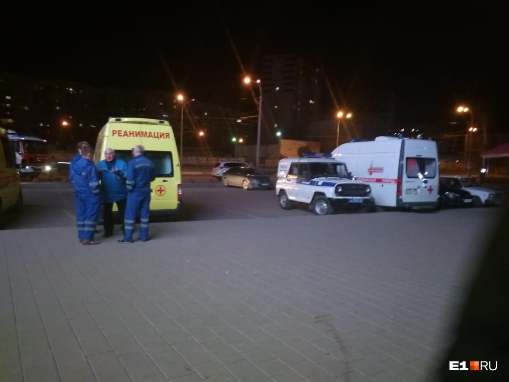 В больницу увезли восемь человек
