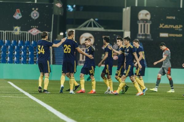 Первый гол в матче забил Элдор Шомуродов