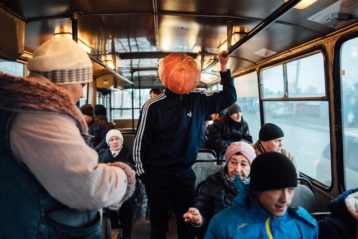 Многие новосибирцы делали вид, что ничего удивительного не происходит
