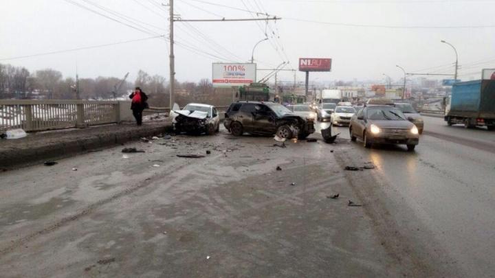 Ищут свидетелей: полиция объявила поиски очевидцев смертельного ДТП на Димитровском мосту