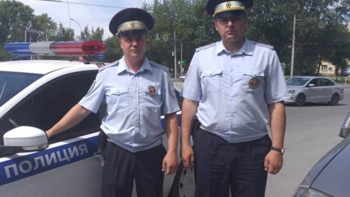 Автоинспекторы по пробкам отвезли беременную женщину из Новосибирска в Краснообск