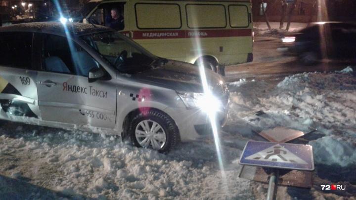 Водитель Яндекс.Такси устроил ДТП на улице Калинина. Его пассажирка встретила Новый год в больнице