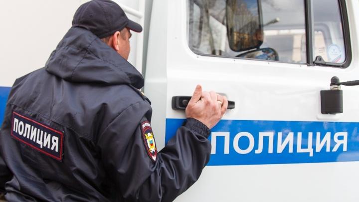 Палил из двух ружей: мужчина устроил стрельбу из окна на западе Волгограда
