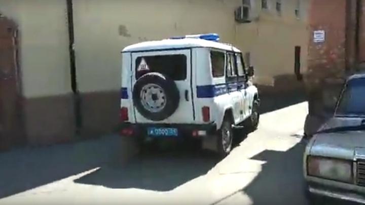 Буйный подросток пытался бежать из участка красноярской полиции и погиб