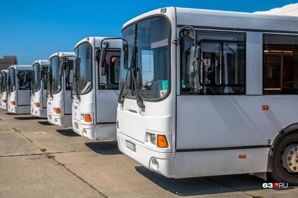 В лизинг взяли 43 автобуса ЛиАЗ
