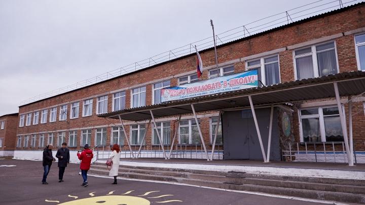 Сельскую школу в Емельяновском районе подключили к высокоскоростному интернету