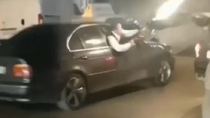 Самарцы в Перми устроили стрельбу из автомата: видео