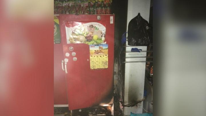 В Ярославле ночью полыхал огонь в продуктовом магазине: первые подробности