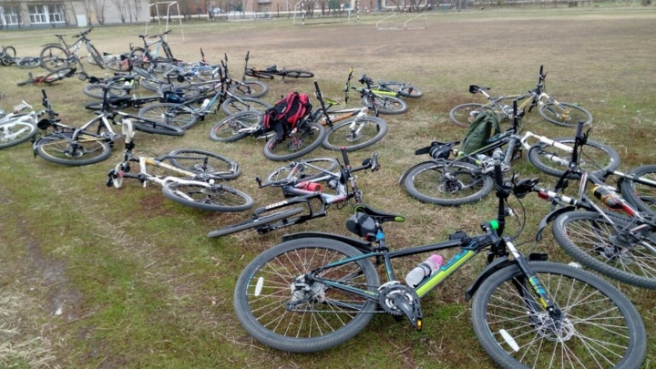 В «Рябиновке» мальчик на мокике сбил 11-летнюю девочку-велосипедиста