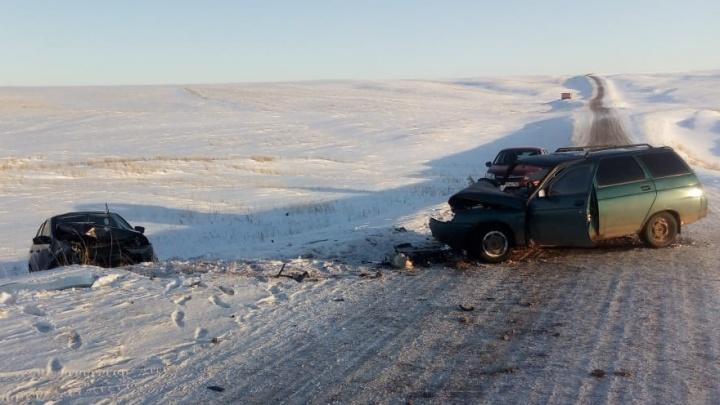 В Башкирии столкнулись «Лада-Гранта» и ВАЗ-2111: водитель скончался по дороге в больницу