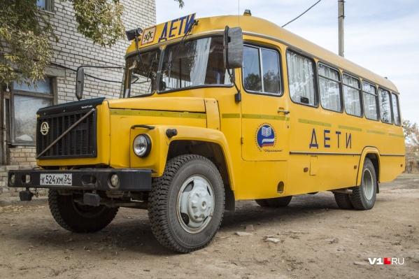 Автобус в деревне есть, но рейсы запретили