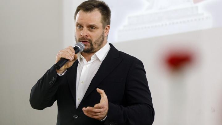 «Должен прийти на репетицию»: актер Александр Носик проведет концерт в день рождения Волжского