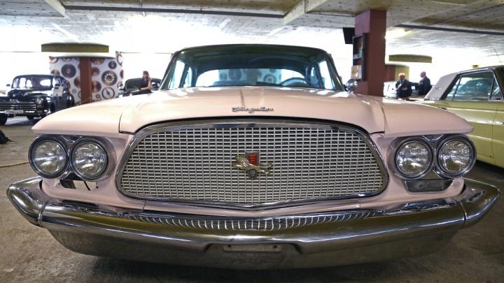 «Волга», «Форд» и «Кадиллак»: в Уфе открылся музей ретроавтомобилей