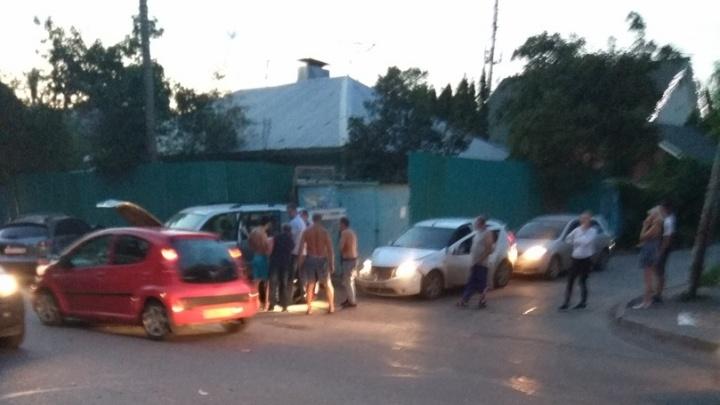 Очевидцы: в Самаре на Девятой просеке произошло массовое ДТП с пьяным водителем