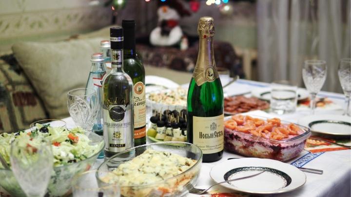 40 грамм — и хватит: десять правил от екатеринбургских медиков, как выжить в Новый год и каникулы