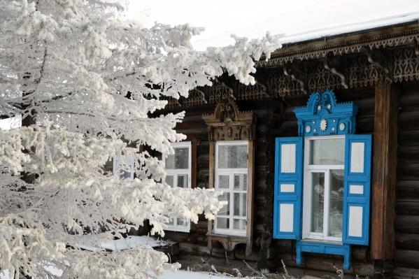 Путешествие по сибирской глубинке позволит прочувствовать особый колорит старинного городка. Остановиться можно в историческом здании в центре Енисейска