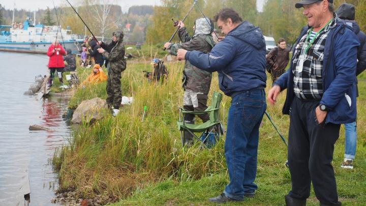Ловись, рыбка, большая и маленькая: в Перми прошёл открытый чемпионат по рыбной ловле