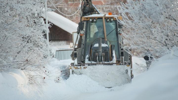 «Как ни крути, всё попадает в Белую»: корреспондент UFA1.RU выяснил, куда девается снег из города