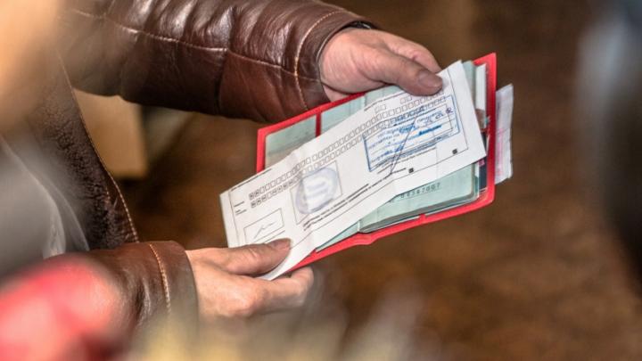 «Резиновая квартира»: в Самаре местный житель прописал у себя 700 мигрантов