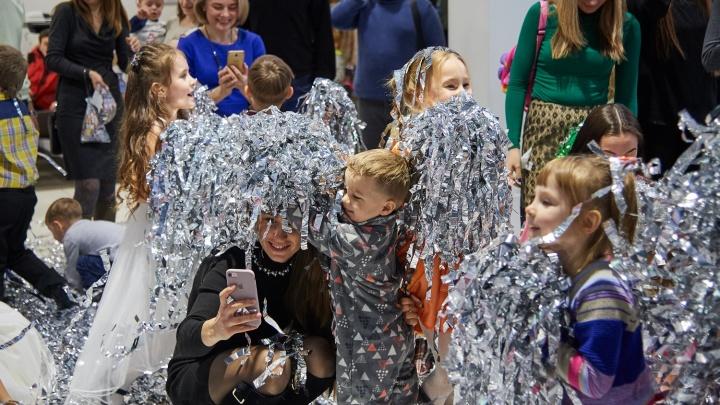 Детям показали настоящую чешскую сказку: новогодний утренник в «Феникс-авто»