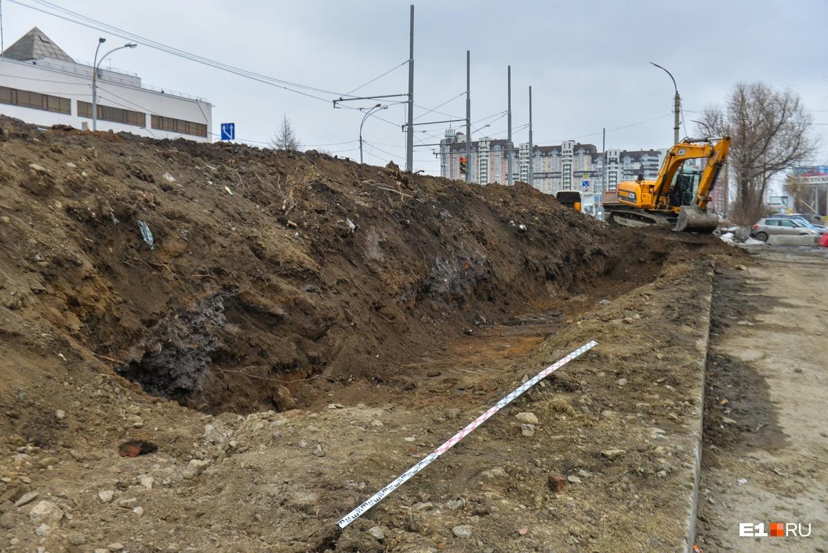 Для реконструкции Макаровского моста понизят уровень воды в Исети