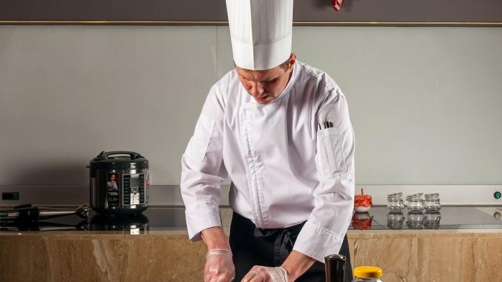 Горшочек, вари: мастер-класс от шеф-повара — как приготовить новогодние блюда в обычной мультиварке