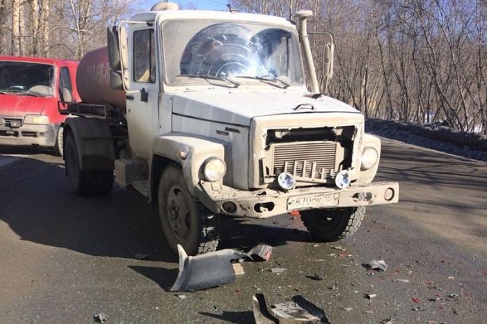 По информации аваркомов, в ДТП пострадала пассажиркаNissan X-Trail