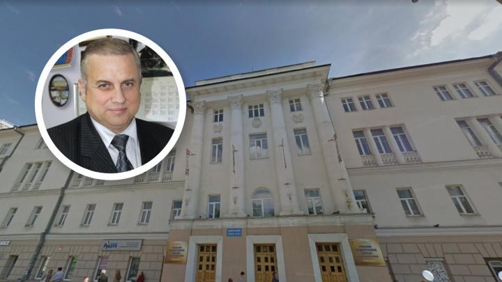 «Это чистый заказ»: областные власти уволили директора колледжа Ползунова