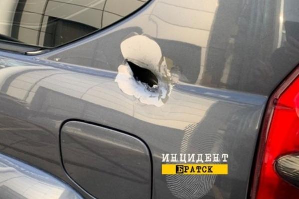 Расстрелянный Land Cruiser — его водитель успел доехать до города