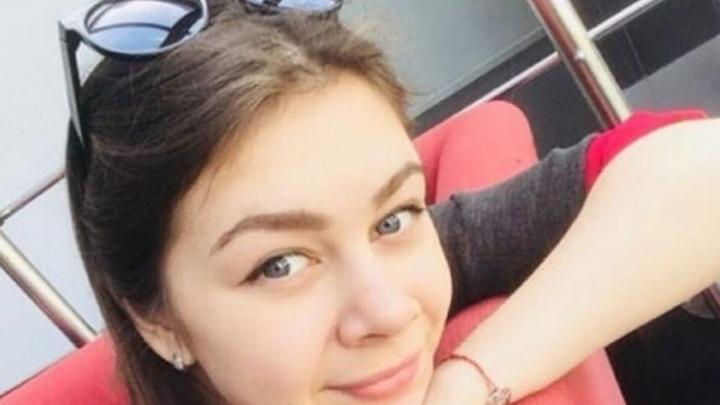 В Новосибирске нашли девушку, которая поссорилась с парнем и оставила записку на стекле машины