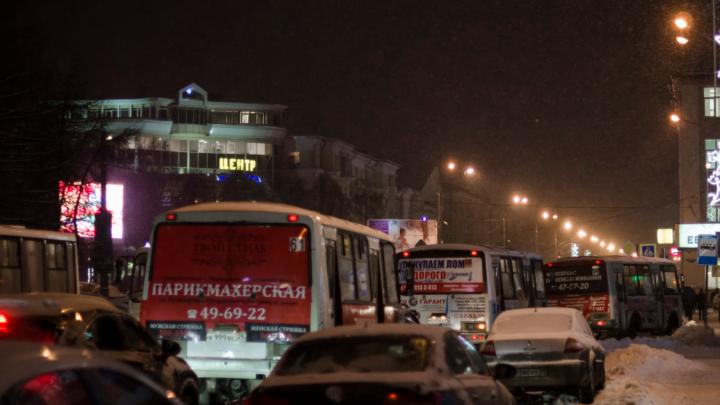 В новогоднюю ночь в Архангельске ограничат движение транспорта