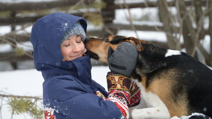 «Ради собаки мама переехала за город»: как живёт Робинзон, найденный на острове с порезанным горлом