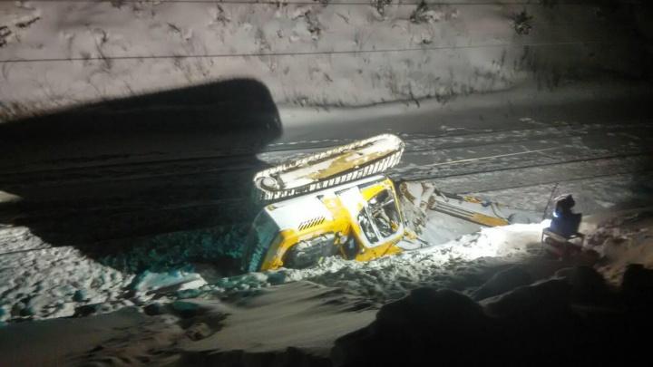 СК опубликовал видео места столкновения поезда с экскаватором на ж.-д. перегоне в Прикамье