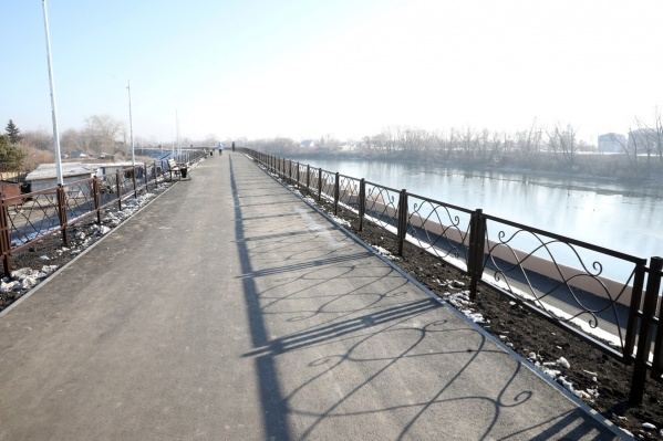 Сейчас завершается ремонт участка набережной от Кировского моста до пляжа «Бабьи пески»