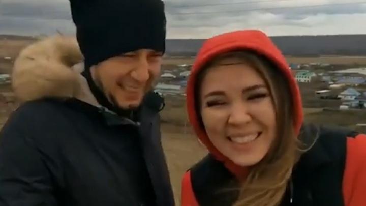 «Убили детеныша, шашлык сделали»: известная певица Башкирии записала на трассе провокационное видео