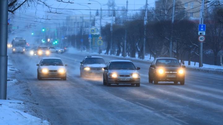 Девушка в мороз 1,5 часа колесила по дорогам и бесплатно подвозила пешеходов