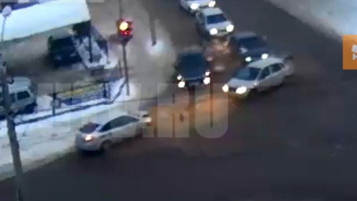 Момент массовой аварии в Стерлитамаке попал на видео