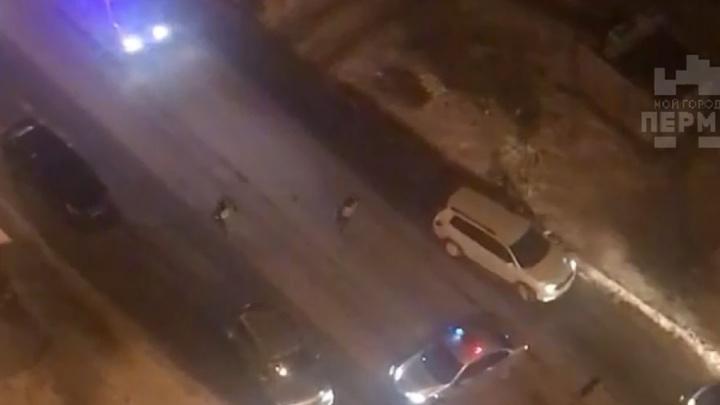 Протаранил машину ГИБДД и пытался скрыться: в Перми полицейские стреляли по машине пьяного водителя