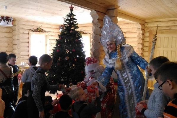 Всего мэрия планирует потратить на подарки до 9 миллионов рублей