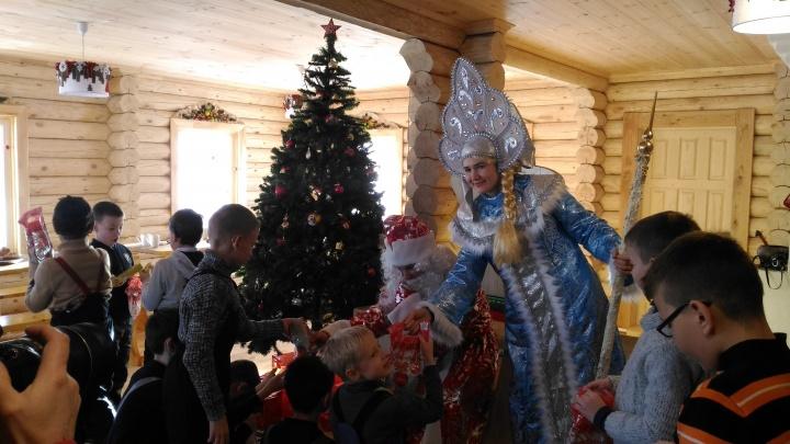 Мэрия купит 1,2 миллиона конфет для новогодних подарков