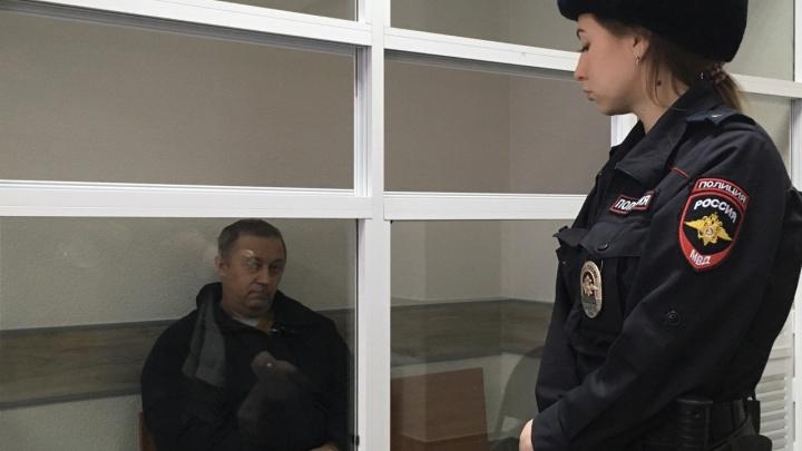 Подозреваемых в мошенничестве с квартирой пермского ветерана отправили в СИЗО. Репортаж из зала суда
