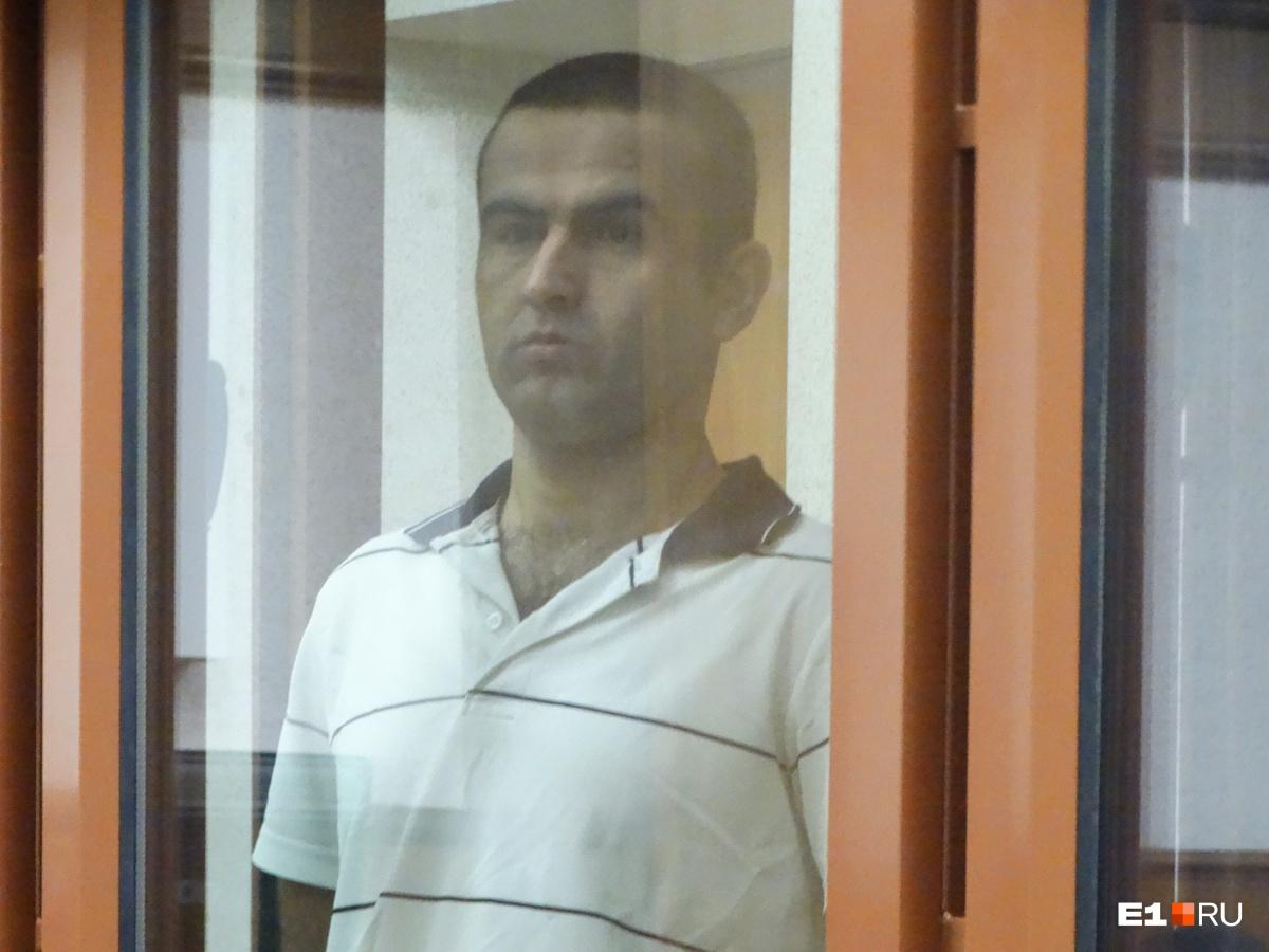 Махмадали Наврузов находился в России без документов и нелегально подрабатывал на кладбище. А потом решился на кражу и убийство