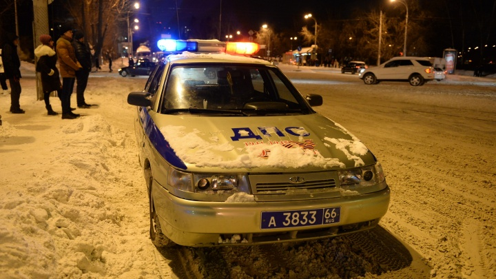В Цыганский посёлок приехали 9 машин ГИБДД, чтобы разобраться с одной тонированной Lada